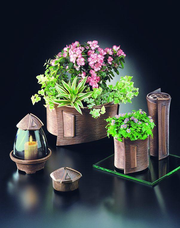 Laternen und Vasen aus Bronze