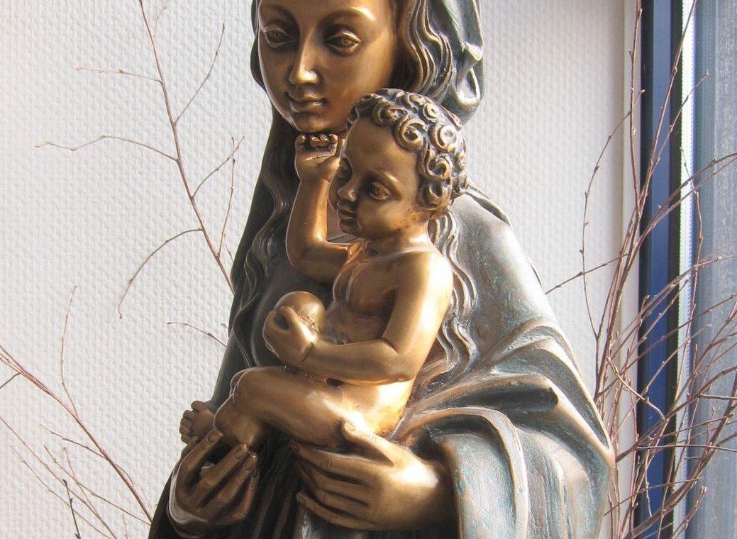 Madonna aus Bronze